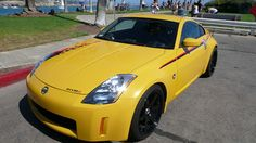 It's Nissan 350Z with black set of Volk TE37 wheels.