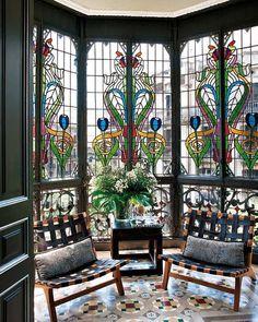 Art Deco and Art Nouveau! — stainedglassforever: A gorgeous Art Nouveau. Leaded Glass, Stained Glass Art, Stained Glass Windows, Mosaic Glass, Window Glass, Mosaic Art, Mosaic Mirrors, Arte Art Deco, L'art Du Vitrail