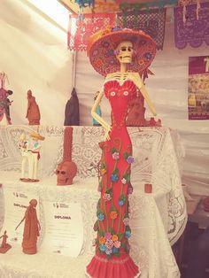 COLOR Y TRADICI/ÓN Mexican Catrina Doll Day of Dead Skeleton Paper Mache Dia de Los Muertos Skull Folk Art Halloween Decoration # 1565