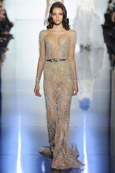 Голая грудь в роскошном платье от Zuhair Murad Haute Couture - Новости шоу-бизнеса - Радио Люкс FM