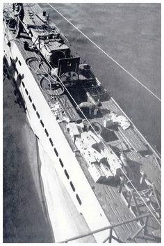 U-96 loading supplies prior to departure