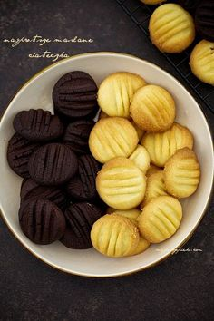 Moje Wypieki | Najprostsze ciasteczka maślane Baby Food Recipes, Sweet Recipes, Cookie Recipes, Dessert Recipes, Sweet Desserts, Easy Desserts, A Food, Food And Drink, Muffins