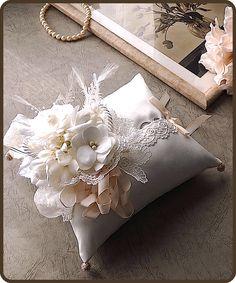 ateliersarah's ring pillow Ring Bearer Pillows, Ring Pillows, Ring Pillow Wedding, Wedding Pillows, Wedding Crafts, Diy Wedding, Wedding Decorations, Origami Bouquet, Bridal Shower Centerpieces