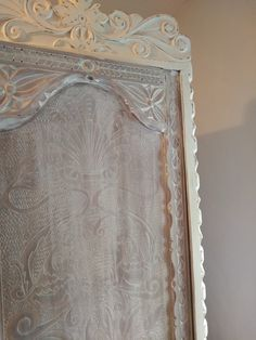 Transformar un armario oscuro en un armario infantil ⋆ Recikla-arte Kakao, Armoire, Mirror, Furniture, Home Decor, Secret Compartment Furniture, Closet Makeovers, Painted Mirrors, Back Doors