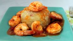 As Puerto Ricans, our weakness for mofongo inspires us to create delicious combinations and variations to enhance the flavor of this dish. One such variation is using yucca instead of the traditional green plantains.  Yucca provides a smoother and more pleasant flavor, which allows you to complement it with seafood, fried meat or stewed breast fillets. You may also use this mofongo to stuff Thanksgiving turkeys or chickens.
