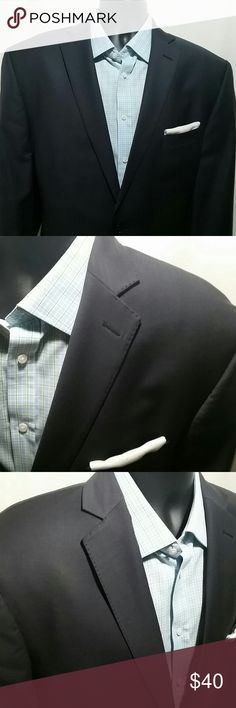 CALVIN KLEIN Blue Side Vented Blazer Size 44 R Handsome CALVIN KLEIN navy blue sport coat,  with side vents.   This handsome two button blazer is a size 44 Regular, and is made of 100% lightweight wool.  This CALVIN KLEIN Sport Coat is in excellent condition. Calvin Klein Suits & Blazers Sport Coats & Blazers