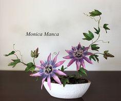 Passion flower gumpaste by Monica Manca