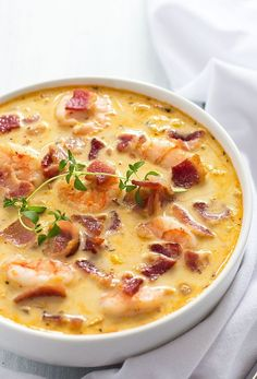 Seafood : Bacon, Shrimp and Corn Chowder - Crispy bacon, perfectly cooked shrimp and corn are the ultimate comfort foods in this creamy chowder! - use less thyme. Shrimp Corn Chowder, Shrimp Soup, Bacon Corn Chowder, Chowder Recipes, Cooking Recipes, Healthy Recipes, How To Cook Shrimp, Shrimp Recipes, Seafood Soup Recipes