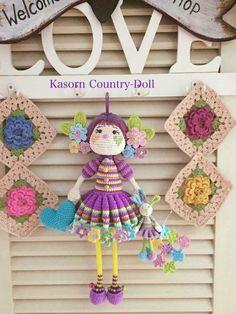 Crochet doll kasorn country doll Knitted Dolls, Crochet Dolls, Grace Art, Amigurumi Doll, Free Pattern, Crochet Necklace, I Shop, Country, Knitting
