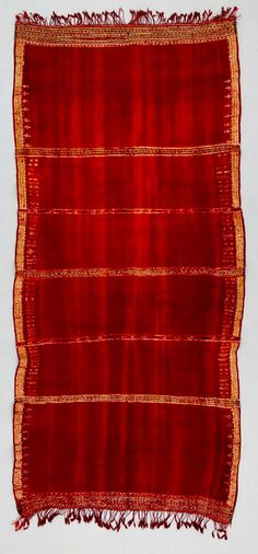 Africa | Shawl ~ bakhung ~ from the Berber people living in Kairouan, Tunisia | ca. early to mid 20th century | Wool and cotton