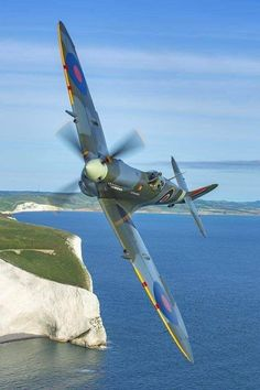 The Supermarine Spitfire was a British fighter plane used in WWII. It had a speed of 369 mph, was a short-range aircraft, over were built. Ww2 Aircraft, Fighter Aircraft, Military Aircraft, Fighter Jets, Aircraft Carrier, Image Avion, Spitfire Supermarine, Ww2 Spitfire, Ww2 Planes