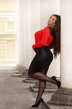 Russian curvy models, plus size beauty : Photo Molliges Model, Porno, Plus Size Beauty, Curvy Models, Plus Size Model, Dress And Heels, Sexy Legs, Plus Size Fashion, Curvy Fashion