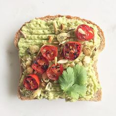 Happy #toasttuesday  @onedegreeorganics sprouted sunflower seed bread, avo…