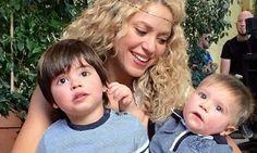 Uno rubio y otro moreno, los 'gurús' que despiertan la sonrisa de Shakira