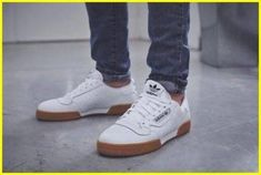 Enjoy The Sneakers You're In With These Tips. A lot of men and women absolutely love sneakers. This explains why the state of the economy factors so little in how well sneakers Sneakers Vans, Ankle Sneakers, Sneakers Mode, White Sneakers, Leather Sneakers, Adidas Shoes, Sneakers Fashion, Fashion Shoes, Mens Fashion