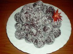 Reteta culinara Bulgarasi cu cocos din categoria Dulciuri. Specific Romania. Cum sa faci Bulgarasi cu cocos Romania Food, Biscuit, Cookie Recipes, Sweets, Cookies, Desserts, Foods, Drinks, Romania