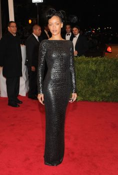 This is the first time I've ever said this, and likely the last, but... well played Rhianna. WELL played. You look amazing.