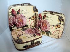 I have a thing for romantic and vintage suitcases