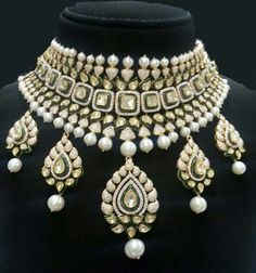 Bridal Party Jewelry, Wedding Day Jewelry, Bridal Makeup, India Jewelry, Gems Jewelry, Gold Jewellery, Jewelery, Wedding Jewellery Inspiration, Jaipur