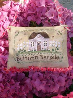 Victorine, Marie, Burlap, Reusable Tote Bags, Throw Pillows, Hobbies, Diy Decorating, Pretty, Spring