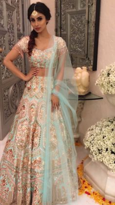 -Bridal Lehenga Store flawlessly modernise Indian costumes and patterns for the millenial Bride. Indian Bridal Fashion, Indian Wedding Outfits, Pakistani Outfits, Bridal Outfits, Dress Wedding, Indian Weddings, Wedding Bridesmaids, Wedding Bells, Indian Attire