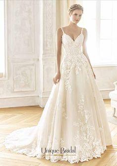 Trouwjurken met sleep. La Sposa (Pronovias Fashion Group) trouwjurken model Blanca Lace Wedding Dress, Wedding Dresses, Stella York, Fashion Group, Wedding Bells, Bridal, Elegant, Unique, Tulle