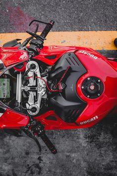 Moto Bike, Motorcycle Bike, Motorcycle Girls, Concept Motorcycles, Honda Motorcycles, Vintage Motorcycles, Ducati Motorbike, Cb 1000, Bike Photoshoot