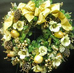 Holiday Decor -- Christmas Wreath