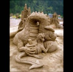 Dragon Themed Item-Sand sculpture