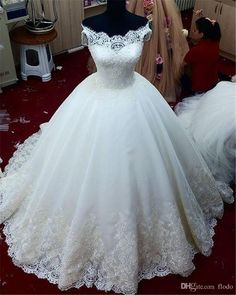 Beaded Lace Applique Ball Gown Sheer Wedding Dresses 2017 Real Images Court Train Vintage Pearls Ivory Tulle Plus Size Corset Bridal Gowns Long Evening Gowns Low Back Wedding Dresses From Flodo, $134.54| Dhgate.Com