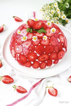 Erdbeer Kuppeltorte / Strawberry Dome Cake