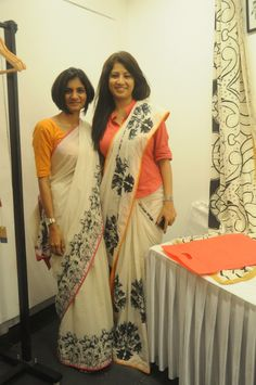 Shirt blouse on saree Saree Draping Styles, Saree Styles, Sari Blouse Designs, Blouse Patterns, Indian Dresses, Indian Outfits, Modern Saree, Kalamkari Saree, Saree Trends