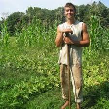 Los Personajes: Constantino-El es un otro granjero, y es enamorada de Mariana.