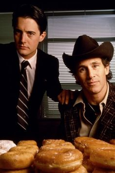 Kyle MacLachlan in Twin Peaks. So odd and cheery at the same time. Splendid.