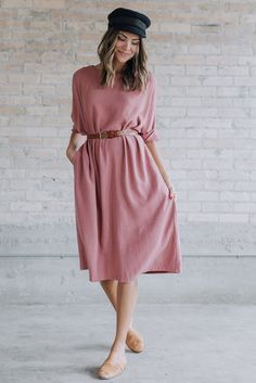 """DETAILS: Loose fit dress Pockets Fabric Content: 70% Polyester, 30% Linen Model is wearing size Small MEASUREMENTS: Bust: S= 53"""",..."""