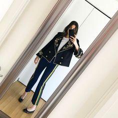 "Polubienia: 7,146, komentarze: 49 – Leandra (Medine) Cohen (@leandramcohen) na Instagramie: ""So glad I'm home. It has felt like forever since I last wore track pants with a black tie jacket."""