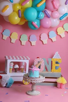 Candy Theme Birthday Party, Donut Birthday Parties, Girl Birthday Themes, Baby Girl First Birthday, Birthday Diy, Birthday Decorations, Ice Cream Balloons, Birthday Girl Pictures, 1st Birthday Photoshoot