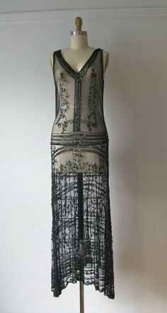 vintage 1920s dress / 20s beaded flapper dress by Dronning on Etsy,