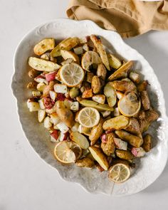 Fresh lemon perfectly complements these rosemary roasted potatoes. Naturally vegan and gluten-free, this is an easy weeknight side dish! Fall Recipes, My Recipes, Cooking Recipes, Favorite Recipes, Vegan Recipes, Vegan Meals, Healthy Meals, Healthy Food, Dinner Recipes