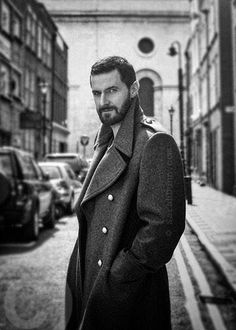 """""""Don't miss #TheCrucibleOnScreen today and the 7th of December! #RichardArmitage"""" (another brilliant photo by Sarah Dunn)"""