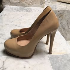 33f55ff1577 Shop Women s Steve Madden Tan size Heels at a discounted price at Poshmark.