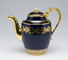 Teapot and Cover Théières Pestum Made by the Sèvres porcelain factory 1843-57