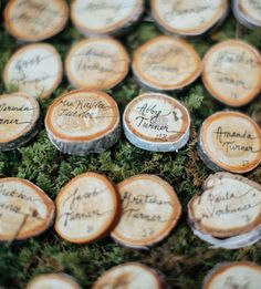 wood slice name cards--rustic and inexpensive.