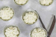 Vanilla Cheesecake Fat Bombs - Low Carb & Sugar Free - Step by Step Recipe