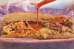 Esta es la Salsa que se usa para bañar las famosas tortas ahogadas que abundan en Guadalajara.
