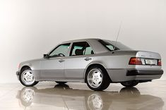 Mercedes 500, Mercedes Benz Amg, Benz E, Things That Bounce, Classic Cars, Vehicles, Exotic, Models, Templates