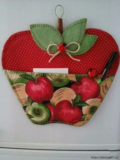 Felt Crafts, Fabric Crafts, Sewing Crafts, Diy And Crafts, Paper Crafts, Small Sewing Projects, Craft Projects, Diy Y Manualidades, Apple Decorations