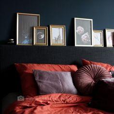 Heerlijk dekbed van Hema. Geeft een fijn sfeertje ❤ Throw Pillows, Bedroom, Blue, Instagram, Toss Pillows, Cushions, Decorative Pillows, Bedrooms, Decor Pillows