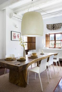 THIS TABLE. Home on Ibiza, Spain: Dining Room (images by Jordi Canosa, styling by Daniela Cavestany) Living Spaces, Living Room, Style At Home, Wood Table, Lamp Table, Rustic Table, Home Fashion, Interiores Design, Feng Shui