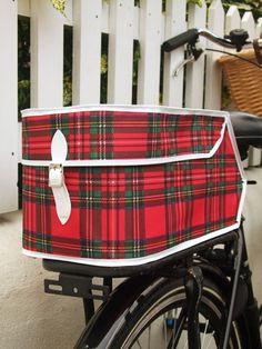 Really cool vintage inspired, tartan bike bag.